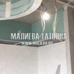 Монтаж потолка над шкафами кухни